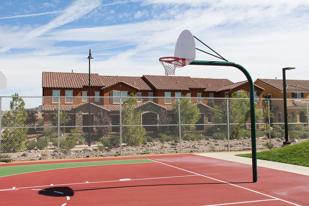 Inspirada basketball court
